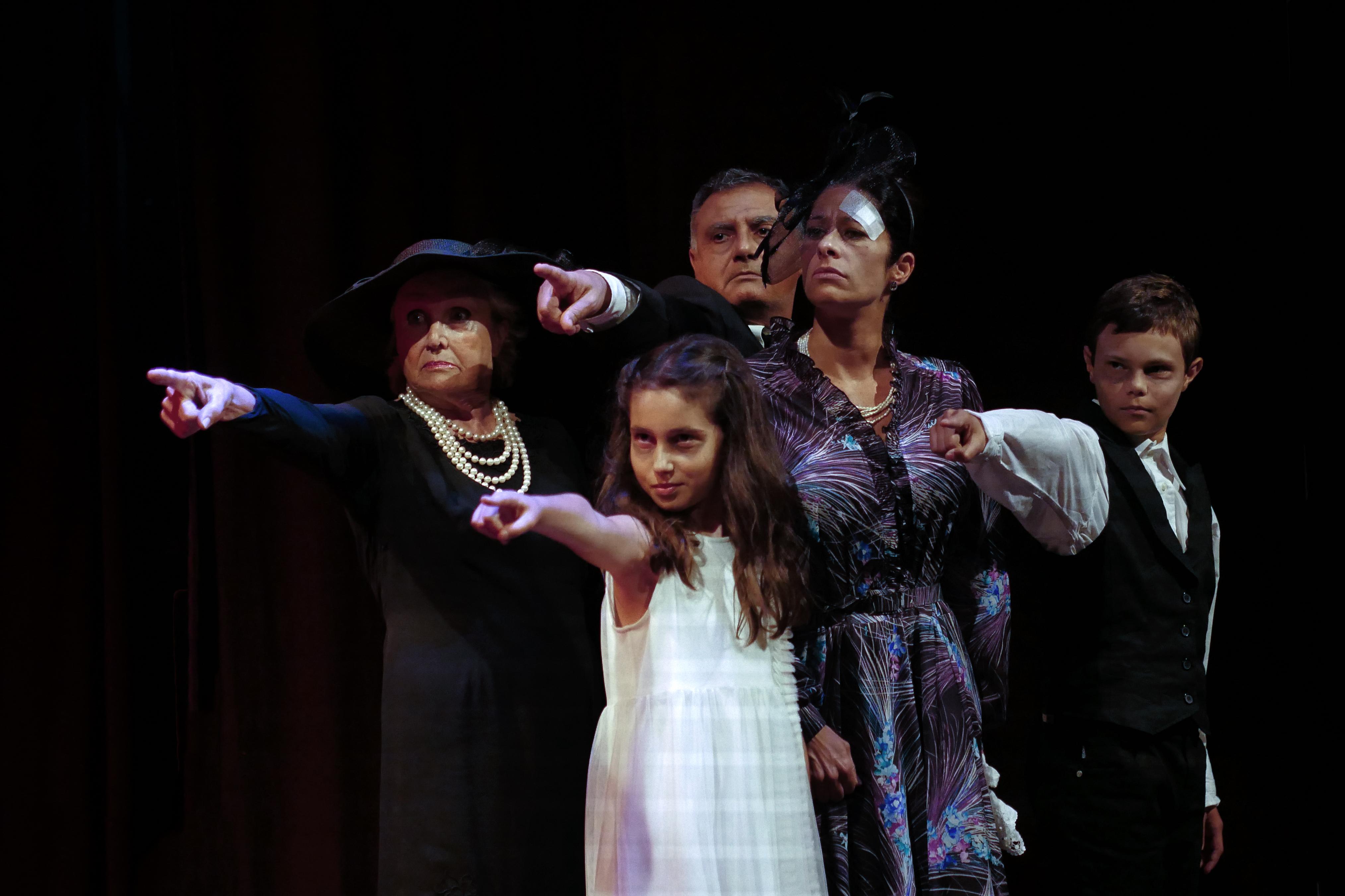 Teatro La Piccola Ribalta di Pesaro -  Questi Fantasmi